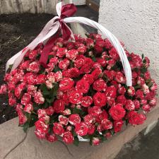 Корзина с кустовыми розами 1255