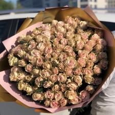 Букет из 101 нежных кремовых роз