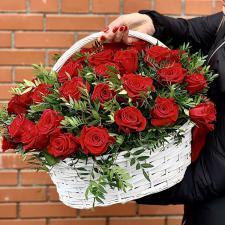 Красные розы в корзине 1937