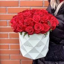 Красные розы в шляпной коробке 1961