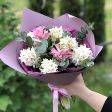 Букет из белых и розовых гиацинтов