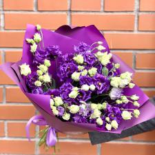 Букет из фиолетовых эустом (лизиантусов)
